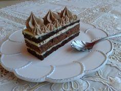 Kakaové rezy s krupicovým krémom a fernetom (fotorecept) - obrázok 14 Tiramisu, Cake Recipes, Ethnic Recipes, Food, Basket, Sweets, Mascarpone, Easy Cake Recipes, Essen
