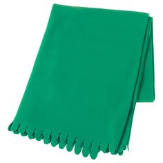 POLARVIDE Throw IKEA The fleece throw feels soft against your skin and can be machine washed. At Home Furniture Store, Modern Home Furniture, Off White Walls, Jungle Room, White Throws, Fleece Throw, Freundlich, Tejidos, Top