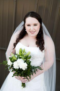 Winter bridals at The Grove! Jamie Huffman Photography #BridalPortraits #BridalPictures #WinterWeddings #NorthTexasBride #OutdoorWedding #WeddingVenue #WeddingPhotography #GreenAndWhiteBouquet www.thegroveaubreytexas.com