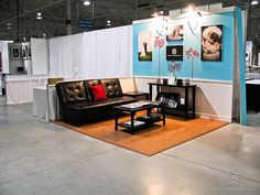 How-to expo booth (I like how you feel like your in a living room not a expo booth)