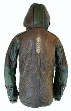 Forest green and brown leather jacket - ayya Green Leather Jacket Mens, Leather Men, Brown Leather, Viking Clothing, Cool Coats, Suit Accessories, Vest Jacket, Blacksmithing, Larp