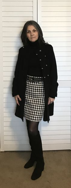 Couture skirt made with houndstooth tweed. Couture Skirts, Houndstooth, Tweed, Mini Skirts, Style, Fashion, Swag, Moda, Stylus
