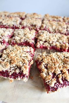 Chia Jam Oat Bars with Streusel Crumb Topping - plant based, gluten free, refined sugar free - heavenlynnhealthy.com