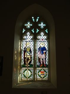 http://www.photosofchurches.com/images/Wales/Anglesey,%20Pentraeth,%20St%20Mary%27s%20Church%20-%20Sir%20Galahad%20and%20St%20Cadwaladr%20Window%20-%201280pix.jpg