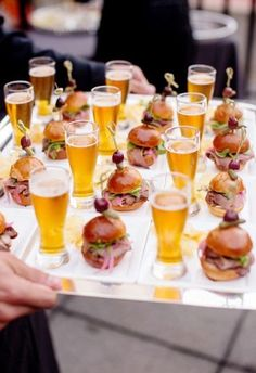 Brides: 6 Creative, Tasty Wedding Food Pairings for Cocktail Hour # Food and Drink pairing 9 Mini Cocktail Hour Food Pairings that Taste as Good as They Look Wedding Canapes, Wedding Appetizers, Wedding Catering, Wedding Snacks, Wedding Foods, Wedding Finger Foods, Mini Appetizers, Wedding Food Bars, Wedding Lunch