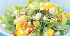 Mango, avocado and macadamia salad. This looks similar to the amazing salad Karen made for the ante natal group Xmas party. Mango Avocado Salad, Mango Salat, Avocado Salat, Salad With Mango, Avocado Baby, Arugula Salad, Mango Recipes, Salad Recipes, Noodle Recipes