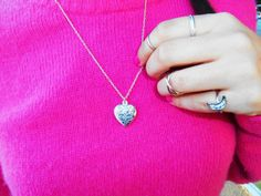 http://unachicasual.blogspot.com.es/2014/02/pink-lady.html  accesorios, collar, anillos midi, rings, necklace, corazón, heart, rosa, fucsia, pink