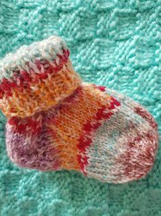 handgestrickte Babysöckchen