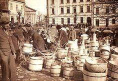 The market square in Gorlice, 1932. Photos by Bogdan Jaciow.
