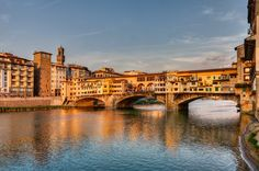 Feel as if you're visiting Florence Italy anytime. The Ponte Vecchio Bridge wall mural from Murals Your Way will create an absolutely striking scenic view in any space. Choose a pre-set size, or customize to your wall. Free US Shipping! Florence Tours, Murals Your Way, Best Of Italy, Free Things To Do, Sunset Photography, Best Cities, Michelangelo, Siena, Italy Travel