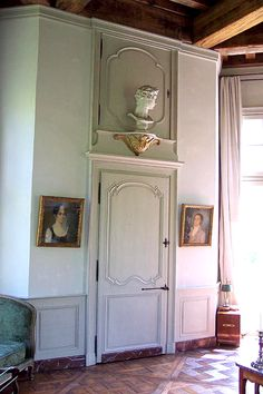 wall console with bust. Lac Martin folly.
