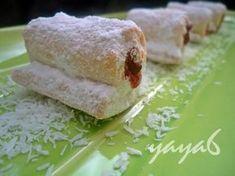 Delicii cu nuca de cocos si gem (de post) Something Sweet, Coco, Dairy, Sweets, Cheese, Recipes, Gem, Gummi Candy, Candy