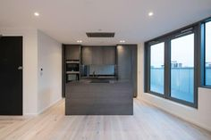 Throwback to this supply and fit for a new development in central London using our Istoria Bespoke Hudson Brushed Oak Delete Commentistoria_by_jordan_andrews#residentialarchitecture #interiors #woodfloor #oakflooring #home #penthouse #kitchendesign #interiordesign #homedecor #architecture #interiordesigners #architectureinterior #kitchenideas
