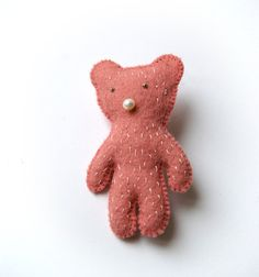 felt brooch -pink bear