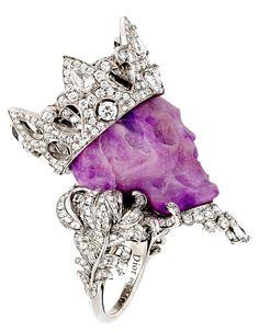 Dior 'Reines et Rois Haute Joaillerie collection' ring by Victoire de Castellane.