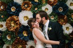 navy gold wedding backdrop / http://www.himisspuff.com/navy-blue-and-gold-wedding-ideas/8/