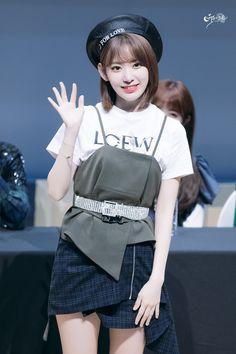 181109 Sangam S-Flex fan signing Yuri, Stage Outfits, Kpop Outfits, Honda, Sakura Miyawaki, Gfriend Sowon, Brave Girl, Idole, Japanese Girl Group