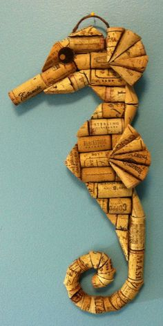 Seahorse wall hanging made from recycled corks #winecorkcrafts