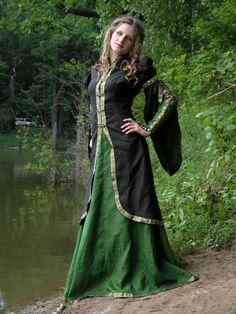 Medieval vestido verde y negro