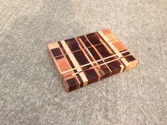 Random style end grain cutting board