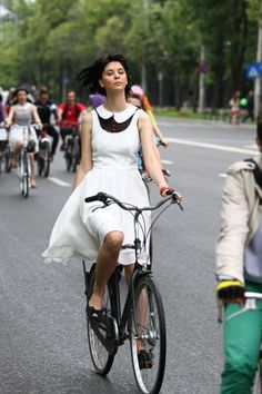 Bucharest Cycle Chic |Pinned from PinTo for iPad|