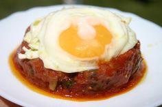 Uno de los platos caseros más más rico y de los más sencillos de preparar: pisto con huevo frito