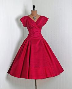 1950's Vintage Emma Domb Designer-Couture Magenta-Pink Shimmer Silk-Organza Shelf-Bust Plunge Rockabilly Full Circle-Skirt Prom Party Dress