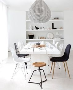 This collection of modern house interior design ideas should help you to give a fresh ambience to your home this summer! Furniture Layout, Home Decor Furniture, Interior Design Living Room, Kitchen Interior, Comedor Office, Rooms Ideas, Dining Room Images, Dining Room Storage, Dinner Room