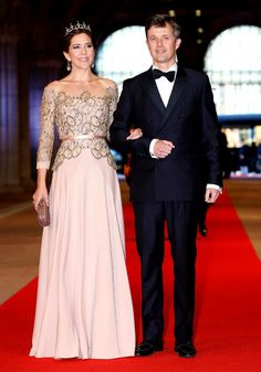 Princess Mary is more fashionable than Kate Middleton, survey says - Yahoo! She Philippines