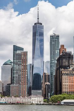 City lights, skyscrapers, and seemingly endless attractions make New York City an exciting destination for any kind of traveler. But, without careful planning it can be an overwhelming destination, too! Head to our blog for a complete itinerary of how to spend 3 days in New York City! #NYC #NewYorkCity #ThingstodoinNYC #NYCVacation #FamilyRoadTrip #USRoadTrips #FamilyTravel