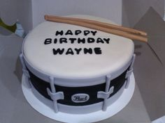 Snare Drum on Cake Central Drum Birthday Cakes, 21st Birthday Cake For Guys, Happy Birthday Cakes, Cake Icing, Fondant Cakes, Cupcake Cakes, Simple Fondant Cake, Music Themed Cakes, Party Desserts