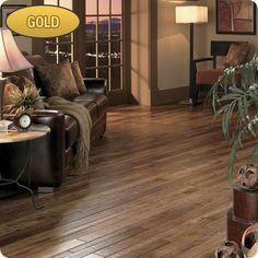 """View the Virginia Vintage AA052-37212 Hickory Lullaby Solid Hardwood Flooring - 4"""" Wide Planks (26.66 SF / Carton) at Build.com."""