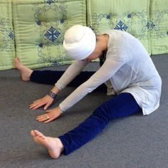 This exercise is said to stimulate the brain and help to alleviate headaches: #simplifiedkundaliniyoga