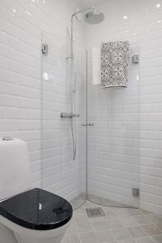 Great idea for a small bathroom a shower screen to fold  #bathroom #great #screen #shower #small