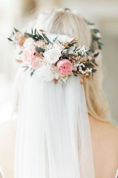 Whimsical wedding at Aynhoe Park in the Cotswolds with quirky decor, Hayley Paige wedding dress and flower crown by White Stag Wedding Photography Flower Crown Veil, White Flower Crown, Flower Crown Hairstyle, Flower Crown Wedding, Flower Headpiece, Lace Wedding, Bridal Flower Crowns, Bridal Crown, Wedding Veils