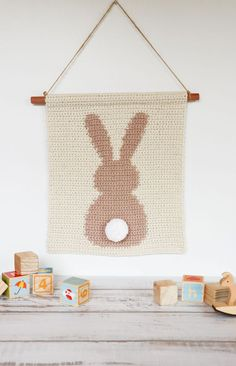 Have a go at tapestry crochet with this rabbit wall hanging crochet pattern. All the steps you need to create this sweet bunny wall hanging. Crochet Wall Art, Crochet Wall Hangings, Tapestry Crochet, Crochet Home, Crochet Rugs, Free Crochet, Crochet Rug Patterns, Macrame Patterns, Wall Patterns