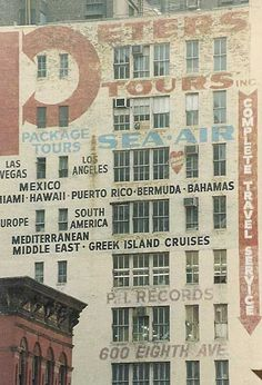 Fading and Beautiful Ghost Signs in New York City Building Signs, Brick Building, Fosse Commune, Painted Brick Walls, Island Cruises, Vintage Walls, Vintage Signs, Outdoor Signage, Usa Cities