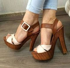 sandals with heels Hot Shoes, Crazy Shoes, Me Too Shoes, Shoes Heels, Heeled Sandals, Gorgeous Heels, Beautiful Shoes, Pretty Shoes, Chunky Heels
