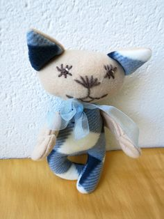 Abbi Created with a lot of love Abbi is ideal also for very small children. It is made of fleece and acrylic yarn. Kitty, Dolls, Little Kitty, Baby Dolls, Kitty Cats, Doll, Kitten, Cat, Cats