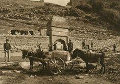 România lui Kurt Hielscher. Fotoreportaj din 1933   ActiveNews Design Web, Romania, Mount Rushmore, Costumes, Mountains, Country, Nature, Painting, Travel