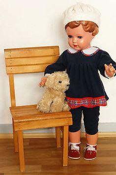 Sehr schöne Schildkröt Puppe URSEL ca. 70 cm mit Puppenstuhl und Plüschhund