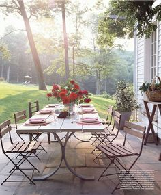 A collection of gorgeous al fresco dining inspiration pics. Be inspired to set up a dining space of your own in the great outdoors with these ideas! via interior designer @FieldstoneHill Design, Darlene Weir #alfresco #outdoordining #patios #thegreatoutdoors