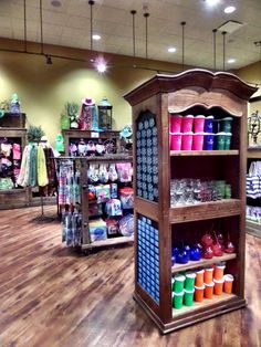 Colorful cups and tumblers will keep you on trend and hydrated! #CamelbackLodge