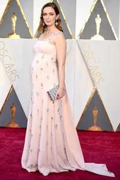 Emily Blunt was positively radiant on the Oscars red carpet.