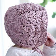 Ideas crochet lace hat baby bonnets for 2019 Knitted Baby Clothes, Baby Hats Knitting, Baby Knitting Patterns, Knitted Hats, Crochet Patterns, Diy Crochet Bikini, Crochet Baby, Knit Crochet, Fingerless Gloves Crochet Pattern