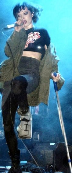 Alice Glass / Crystal Castles