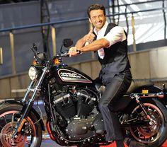 Buon compleanno al biker Hugh  Jackman, Wolverine nella saga cinematografica degli X-Men.
