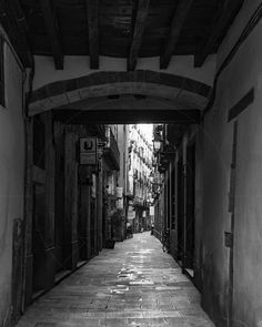 The Narrow Street of Carrer del Brosolí Barcelona Catalonia Spain  www.alamy.com/image-details-popup.asp?ARef=FY3FR7 marketplace.500px.com/photos/151739919 #spain #alley #barcelona #street #old #urban #city #town #catalonia #narrow #house #quarter #europe #stone #night #architecture #road #building #lane #gotic #lamp #spanish #travel #door #empty #ancient #way #medieval #retro #historical