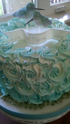 Hummingbirds Wedding Cake