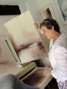 Muriel Buthier-Chartrain in her studio when she met Wyn Vogel for the first time ! Here was born this collaborations between international artists. She discovers here the work of Jonas Pettersson too !